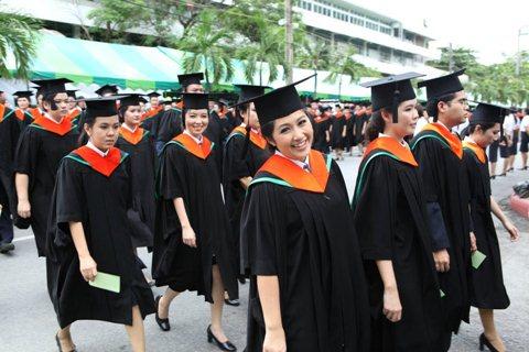 2012-graduated-econ